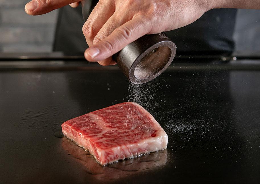 77f97f40284 Teppan Steak in Sannomiya 「Kobe Beef Steak SAKURA」